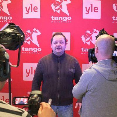 Tommi Nyyssönen sai kunnian aloittaa Jyväskylän tangokarsinnan vuonna 2014.