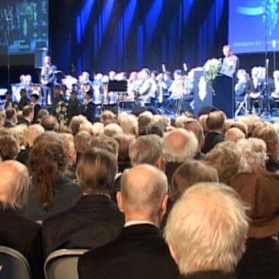Kansallisen veteraanipäivän juhla Hämeenlinnan jäähallissa