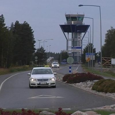 Lentokentäntien liikennemäärät ovat kasvussa lähivuosina.