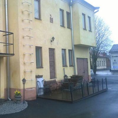 Hotelli Maaakunnan ovella