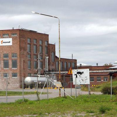Mondin paperitehdas Lohjan Pitkäniemessä.