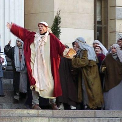 Via Crucis -näytelmän kenraaliharjoitukset.