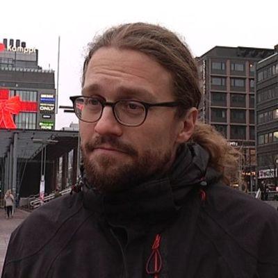 Helsingin vihreiden valtuustoryhmän varapuheenjohtaja Otso Kivekäs.