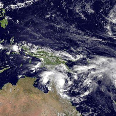 Satelliittikuvassa syklonin pilvipyörteet..