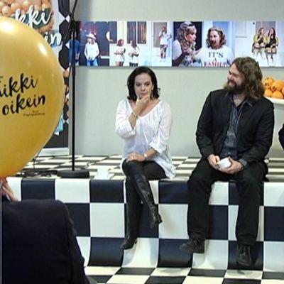 Kirjailija Anna-Leena Härkönen, Turun kaupunginteatterin taiteellinen johtaja Mikko Kouki ja ohjaaja Heikki Paavilainen.