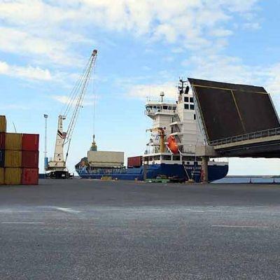 Ajoksen sataman lastauslaituri