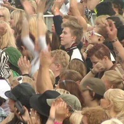 RMJ: yleisöä.