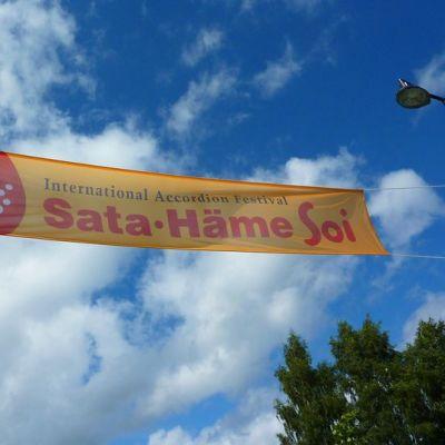 Sata-Häme Soi -banderolli