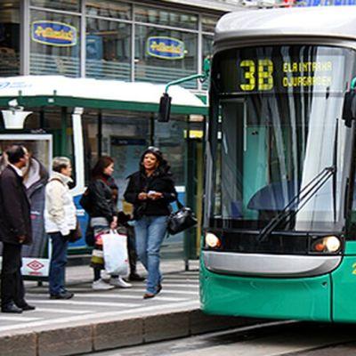 Raitiovaunu Helsingissä.