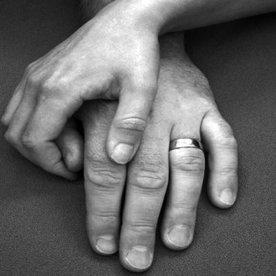 Pariskunnan kädet