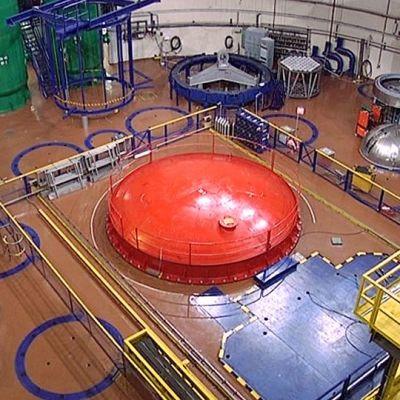 Loviisan ydinvoimalan reaktorihalli.