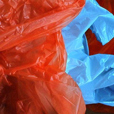 Muovikassijätettä