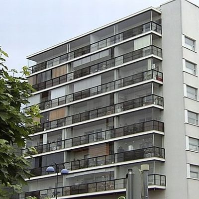 Espoolainen kerrostalo asunto-osakeyhtiö Omenakoto.