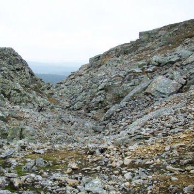 Urho Kekkosen kansallispuiston kivikkoa