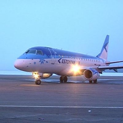 Estonian Airin lentokone. Estonian Airin lentoyhteys Kajaanin ja Tallinnan välillä alkoi 4.4.2012.