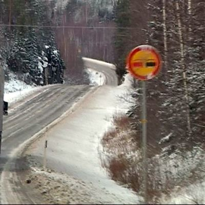 Rekka Varkaudentiellä.