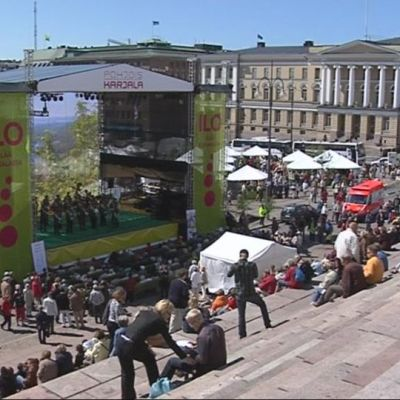 POhjois-Karjala esittäytyy Senaatintorilla kesällä 2008.