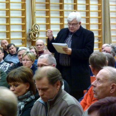 Yleisöä Sonkajärven Talvivaara-illassa.