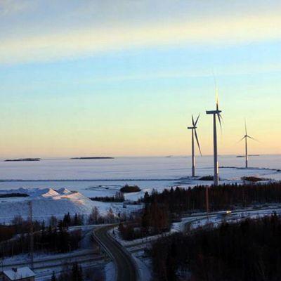 Tornion Röyttään on noussut tuotannoltaan Suomen suurin tuulivoimapuisto.