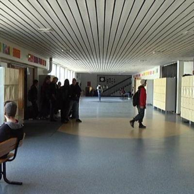 Tainionkosken yläkoulu Imatralla.
