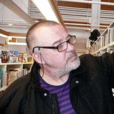 Kirjakammin tekijä Juha Pikkarainen