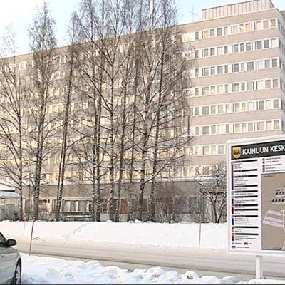 Kainuun keskussairaalan päärakennus.