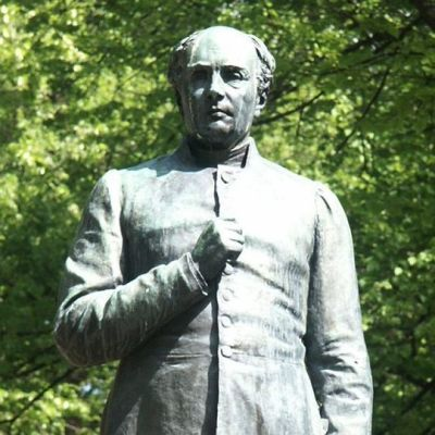 Johan Ludvig Runebergin patsas Porvoossa.