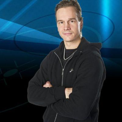 Juha Lind toimii nykyisin Ylen jääkiekkoasiantuntijana
