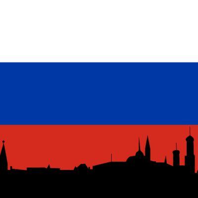 Venäjän lippu ja kaupungin siluetti
