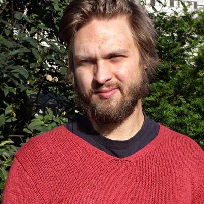 Teatteri Vanhan Jukon taiteellinen johtaja Jussi Sorjanen.