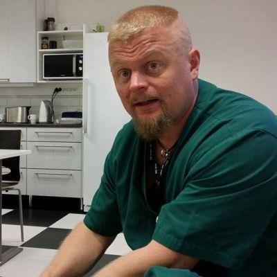 Leikkaushoitaja Jyri Hiltunen.