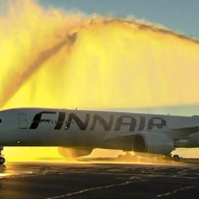 Airbus A350 lentokentällä