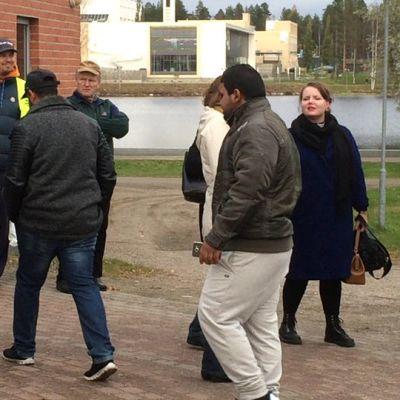 Väkeä Kamu-tapahtumassa Kajaanissa 13.10.2015.