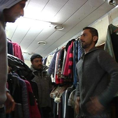 Turvapaikanhakijoille jaettiin vaatteita Kolarin Kirpparilta