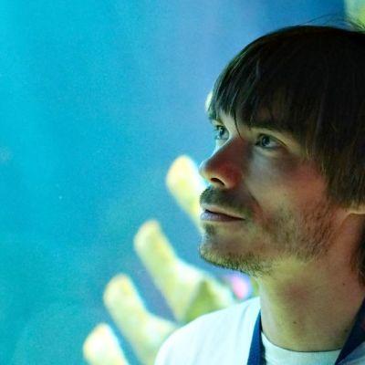 Sea Life Helsingin intendentti Markus Dernjatin