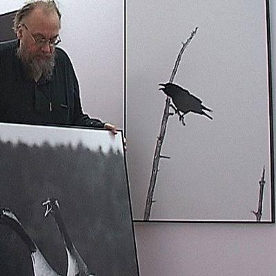 Valokuvaaja Hannu Hautala iloitsee digikuvaamisen suosiota.