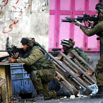 Israelilaissotilaita.
