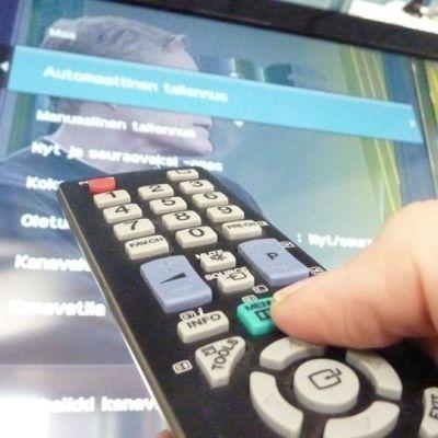 Televisiokanavien viritystä.