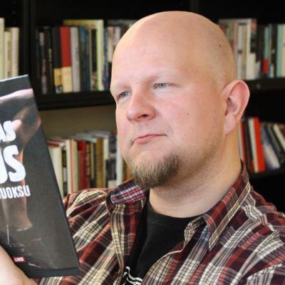 Tuomas Lius ja uusi kirja Härkäjuoksu.