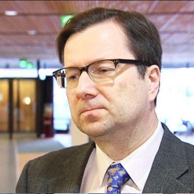 Neuroimmunologian professori Pentti Tienari.