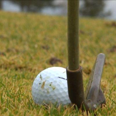 golfpallo ja maila