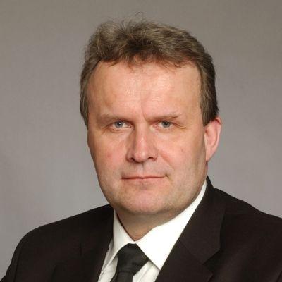 Hannu Hoskonen (kesk.)