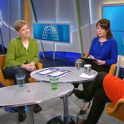 Krista Mikkonen_ja Paula_Lehtomäki Aamu-tv:n vieraana.