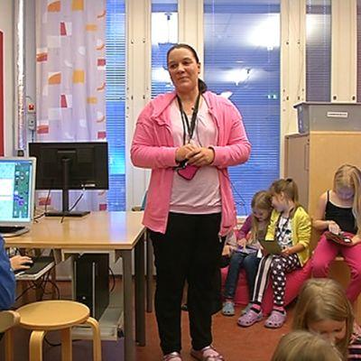 kouluavustaja Sarita Koskenniemi