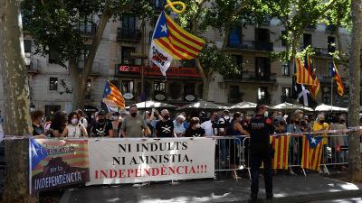 Demonstration i Barcelona 21.6.2021 med anledning av benådningen av katalanska separatister