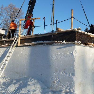 Lumikirkkoa rakennetaan Lappeenrannan linnoituksessa