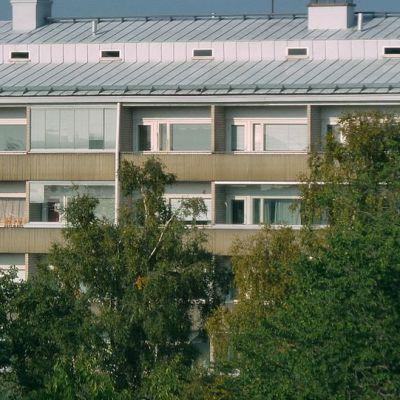 Kerrostalo Oulun keskustassa