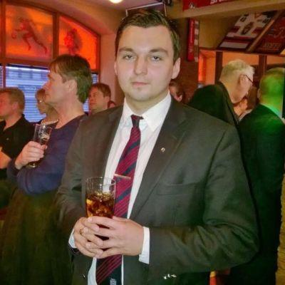 Joakim Strand vaalivalvojaisissaan