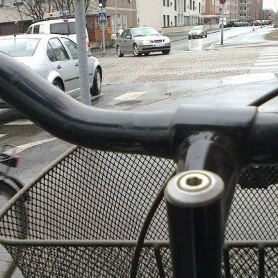 Polkupyörällä kaupunkiin voi tutustua autoa paremmin