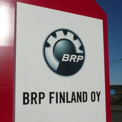 BRP tehtaan kyltti